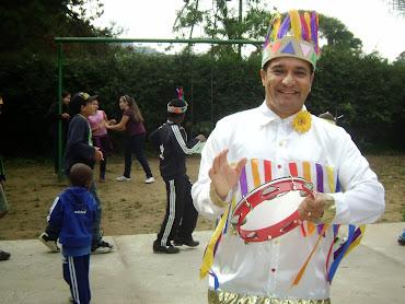 Boi-bumbá de Parintins: Lendas, contos e danças - Projeto de Cândido Neto para crianças.