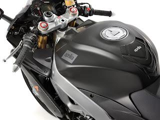 2013 Aprilia RSV4 R APRC ABS | Gambar Motor 6