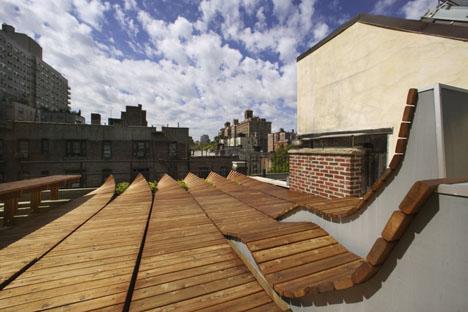 Decoración de terrazas con maderas curvas