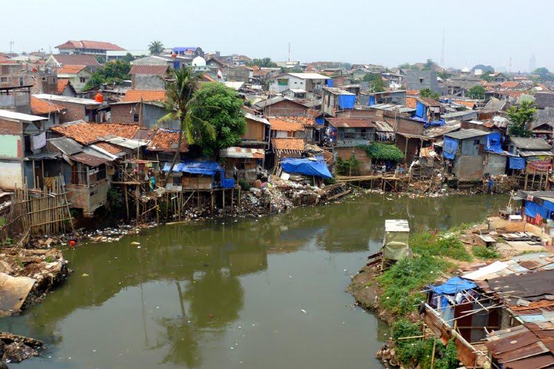 Monster bego 20 fakta bumi yang mengerikan berdampak mempercepat kiamat - The tiny house village a miniature settlement ...
