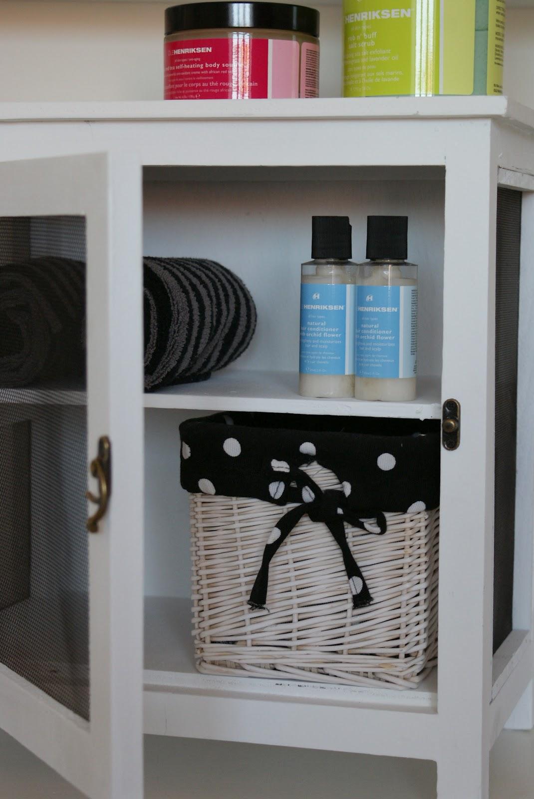 Fru Hygge´s Butik - Pynt til enhver krog: Flueskab, på badeværelset ...