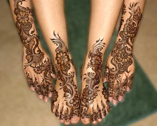 http://funkidos.com/fashion-style/how-to-apply-mehndi-on-hands-and-feet-for-eid-and-wedding