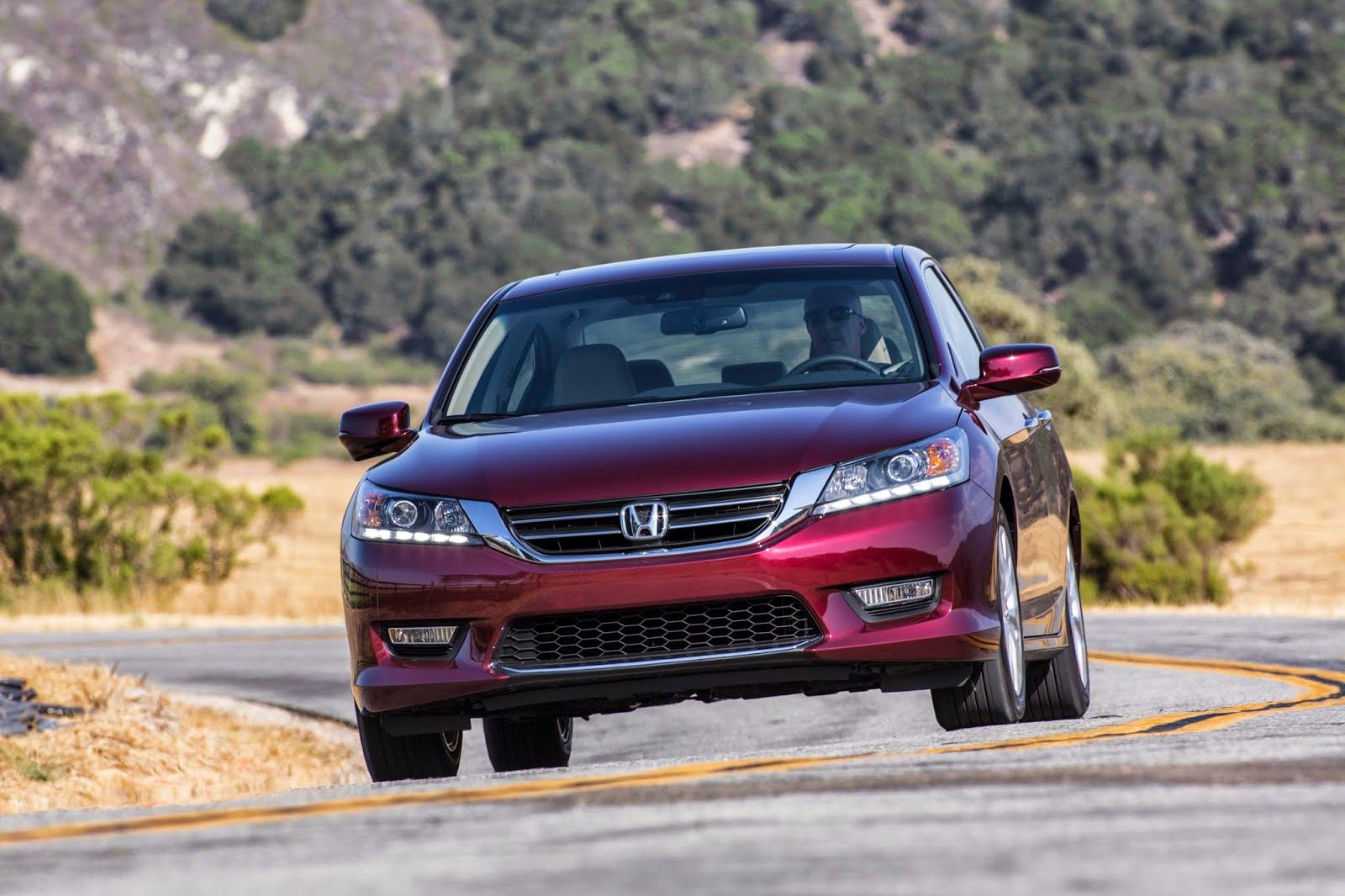 Front view of 2015 Honda Accord EX-L
