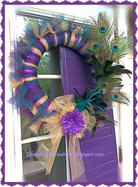 "alt=""tulle wreath"""