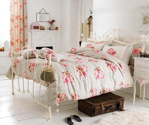 Decorating theme bedrooms maries manor victorian for Floral bedroom decor