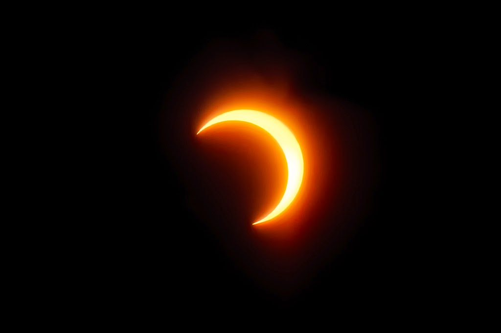 solar and lunar eclipes You will learn the types of lunar and solar eclipses and know the phase of the  moon at which they can occur part i: lunar phases the earth, moon, and  planets.