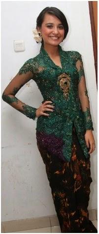 Foto Model Baju Kebaya Hijau