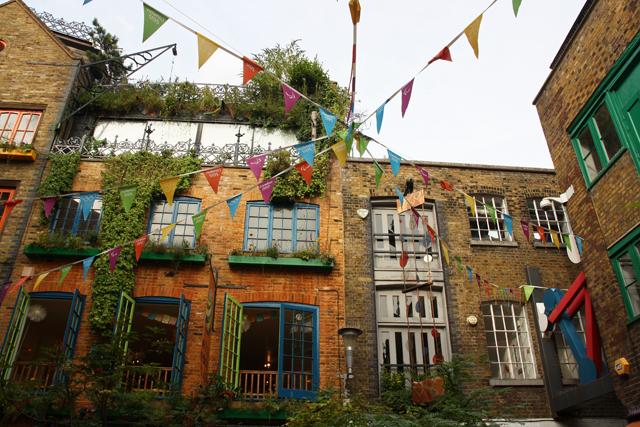 Londres 11 derni re balade du british museum neal 39 s yard justagirl - Le petit jardin covent garden metz ...