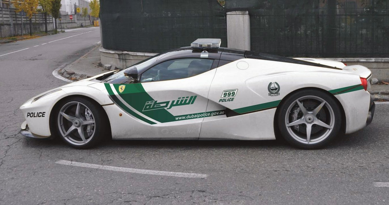 Geht Die Polizei Von Dubai Bald Im Ferrari Laferrari Auf