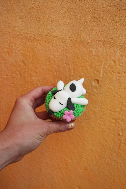 snoopy cupcake inspiration pinterest