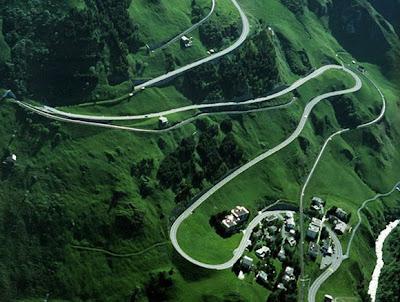Oberalp Pass 1 Inilah 5 Jalan Paling Indah di Dunia