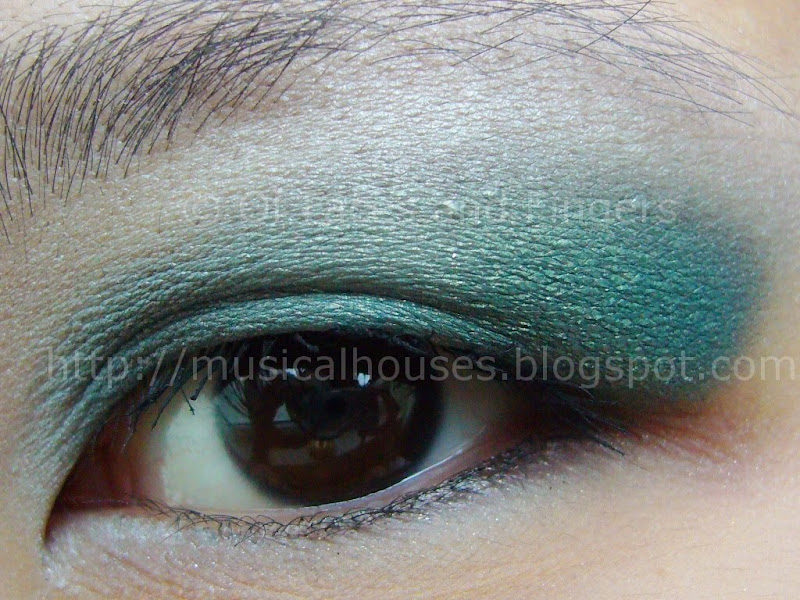 Bright Summery Teal Eye Look