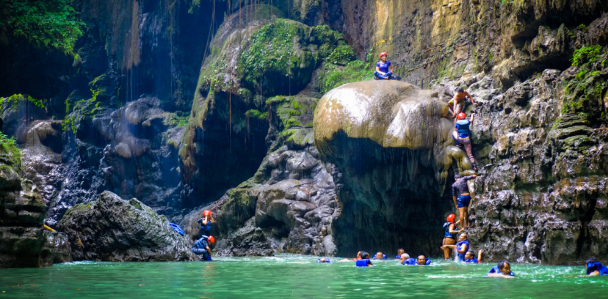 green-canyon, wisata-pangandaran, body-rafting