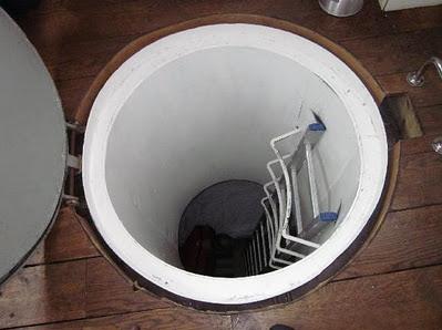 Hotel Terapung Unik Bawah Air