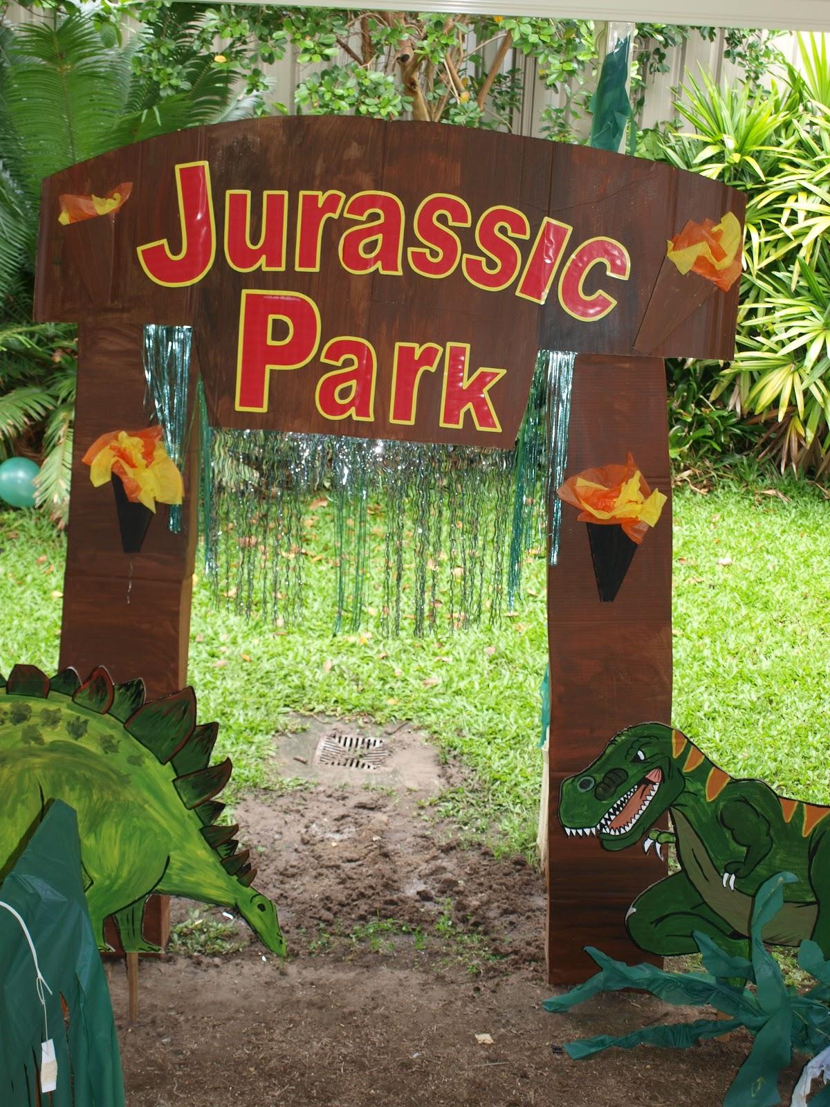 Forever busy mum dinosaur birthday party - Dinosaure de jurassic park ...