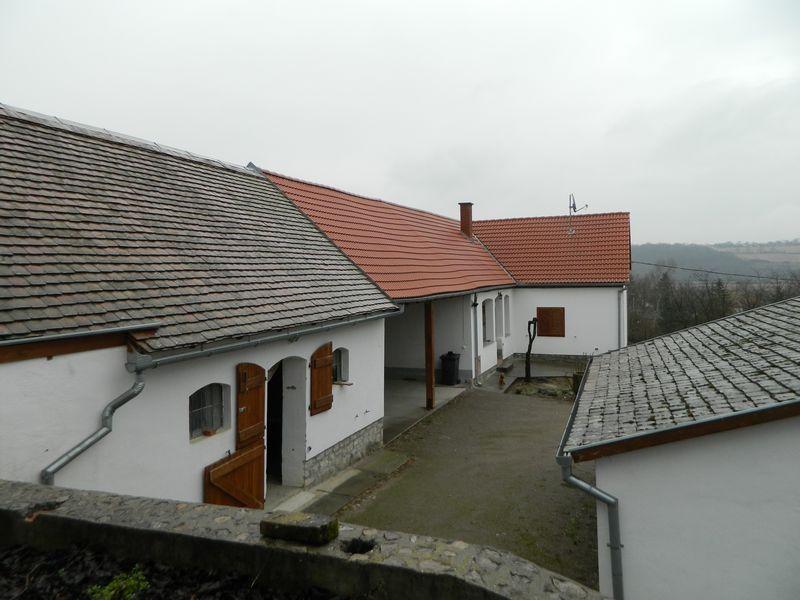 Duitse Keuken Eethoek : Makelaar in Hongarije, Mecsek Makelaardij Kft: Gerenoveerde boerderij