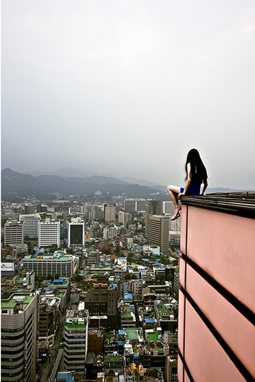 03-Ahn-Jun-Vertigo-Photography-Self-Portrait