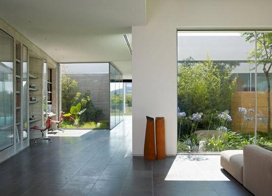 Casa con dise o minimalista de un piso fotos construye - Casa minimalista interior ...