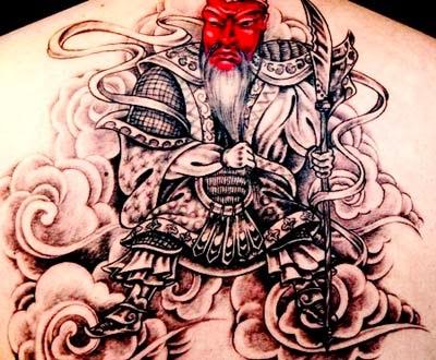 foto de tatuagens masculinas de samurai nas costas para homens