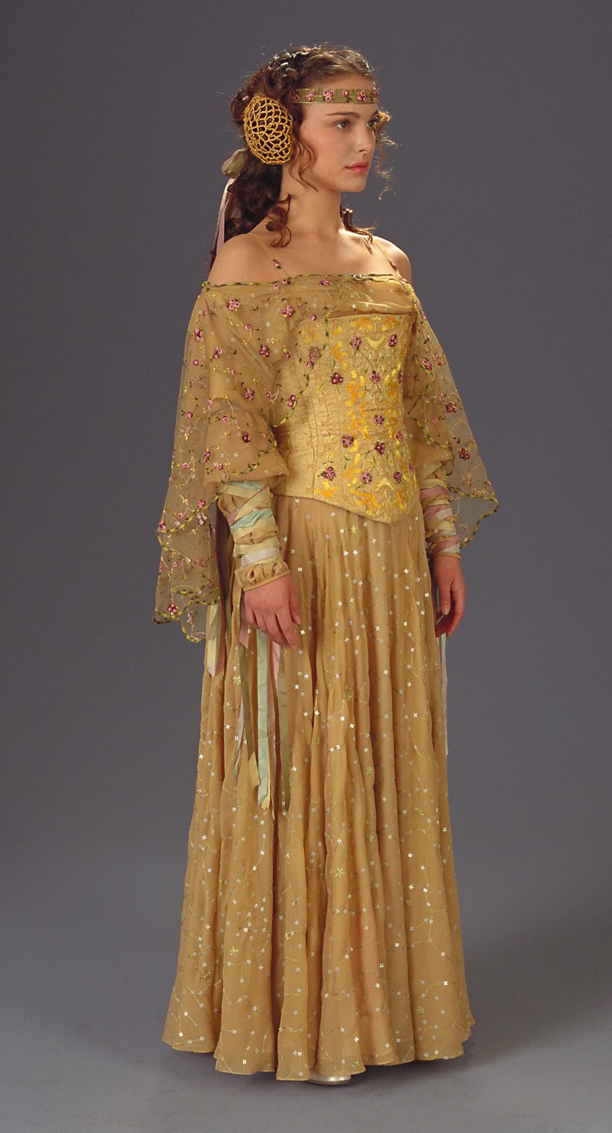 A look into Star Wars: Padme\'s dresses. Part VI