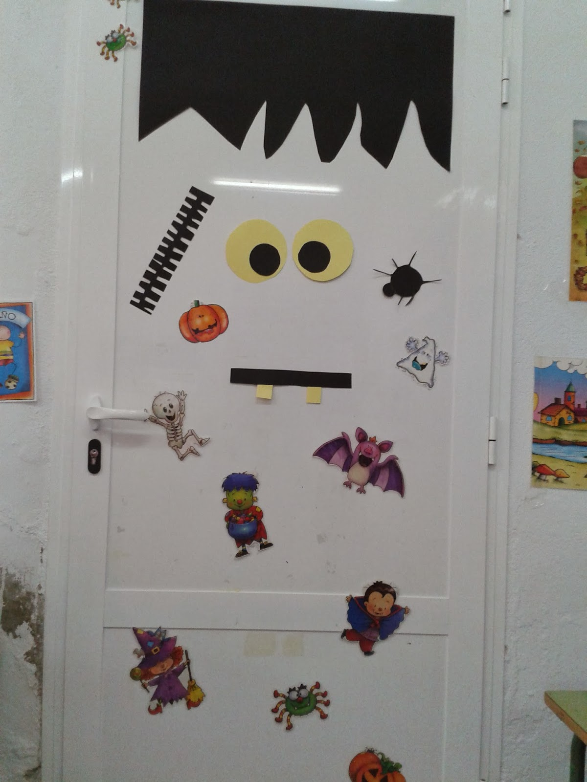 Mi blog de infantil 3 4 5 puertas decoradas for Puertas de halloween decoradas