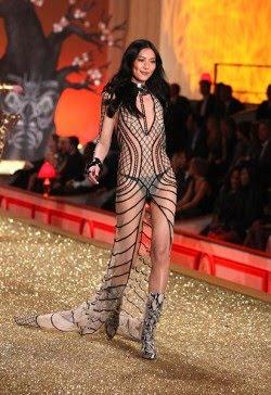 Sexy Chinese Model Liu Wen