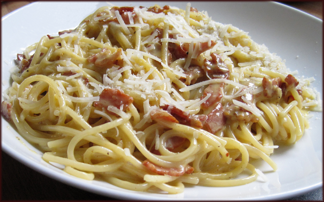 Glug of Oil: Creamy Spaghetti alla Carbonara - Easy Recipe