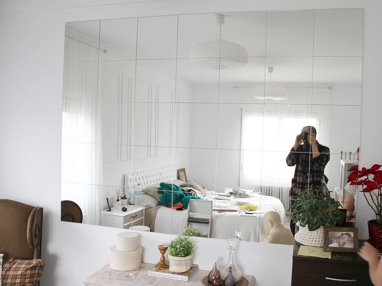 Diy montando una pared de espejos alquimia deco for Espejos de pared ikea
