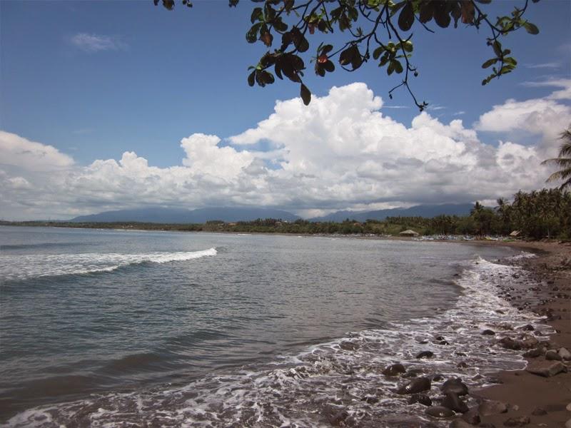 Tempat Wisata Pantai Medewi Jembrana Bali