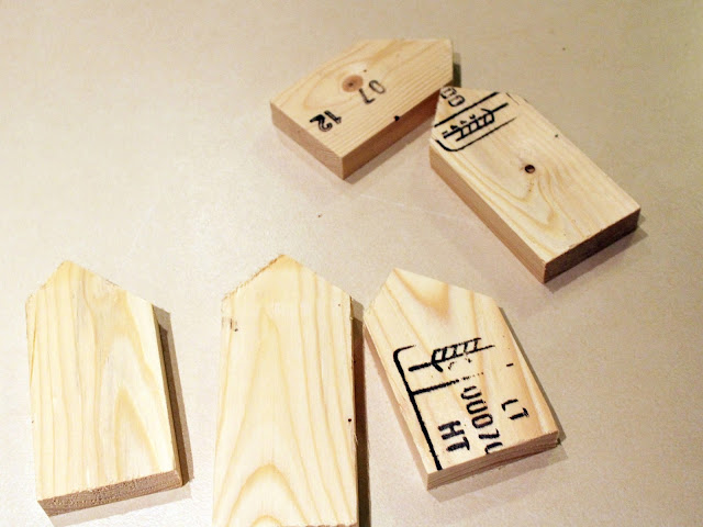 drewniane domki DIY krok po kroku jak zrobić wieszak blog majsterkowanie DIY cięcie drewna