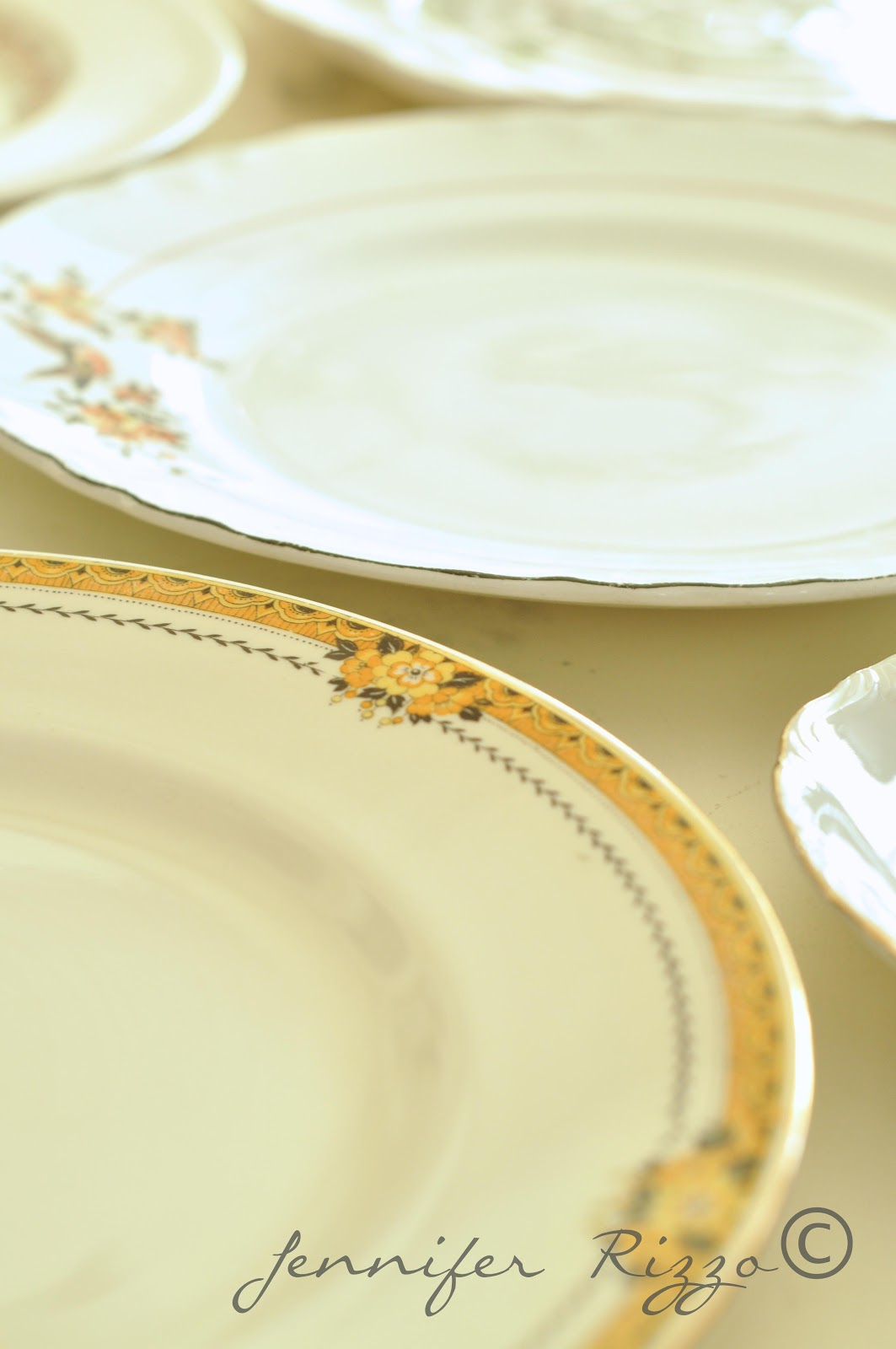 Spring-inspired plate wall and other spring decorating ideas ...