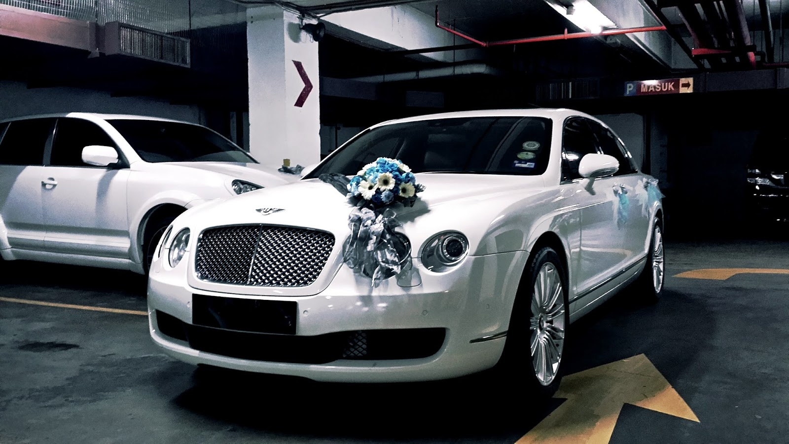 beach bentleyflying by exotic miami bentley miamibeach spur pin car rentals for flying in get rental south carrental cars