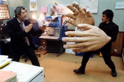 manos+gigantes Imagenes Gif de Caidas chistosas..