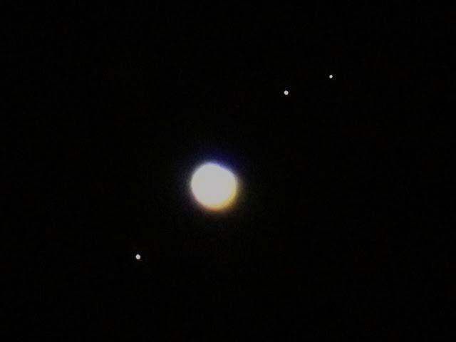 NASA's Fake CGI Ball Planets Jupiter+Moons+through+telescope