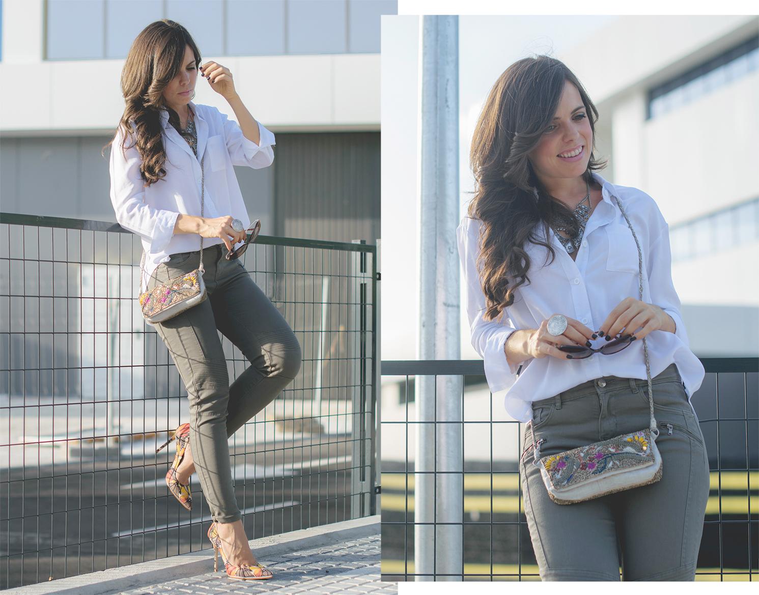 Look con stilletos de mariposas y bolso de pedrería de Zara
