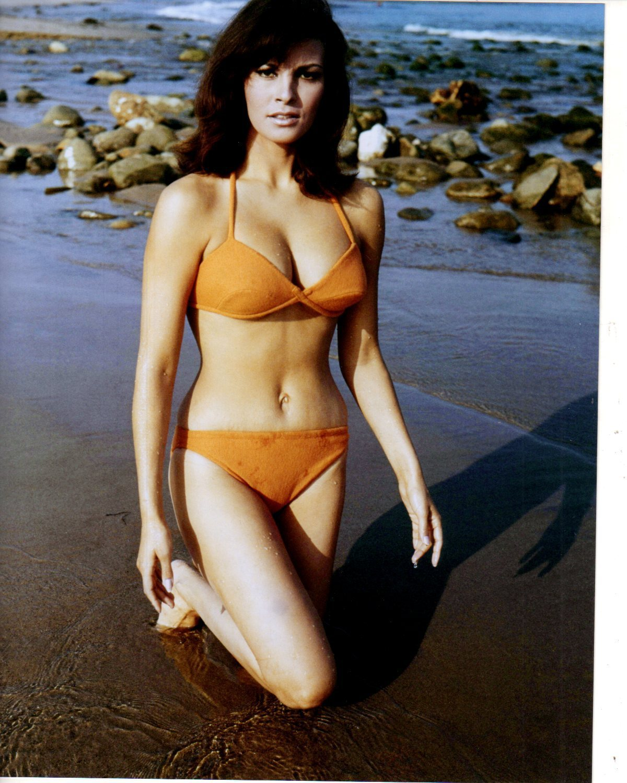 Shania twain bikini pictures