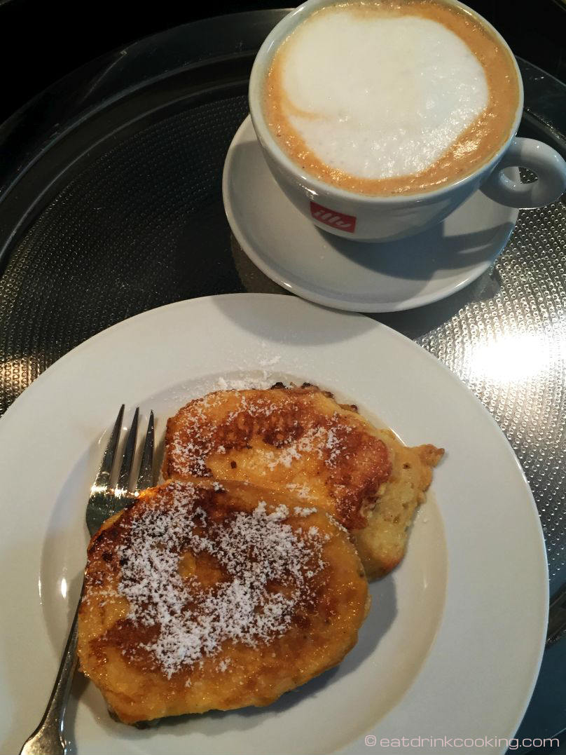 eatdrinkcooking: Leftover Buns / French Toast / Armer Ritter