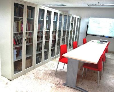 Rujak Center - Perpustakaan Tersembunyi