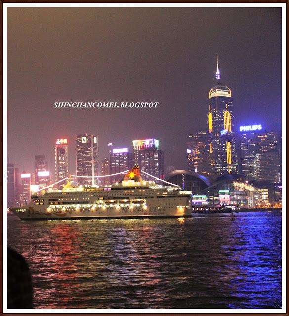 gambar victoria harbour laser show symphony of light hong kong persembahan pemandangan