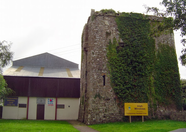 Pabellón de raquetball y castillo de Tuamgraney