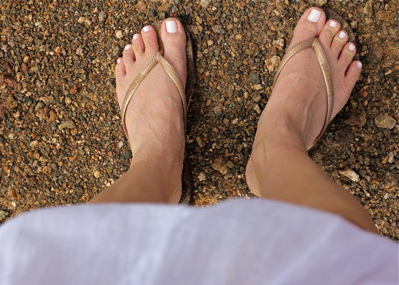 beach, sand, toes, Havaianas, sandals, flip flops