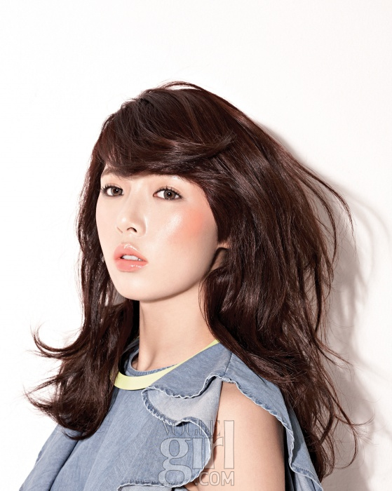 K-POP: Hyuna (Photoshoot) March 2012