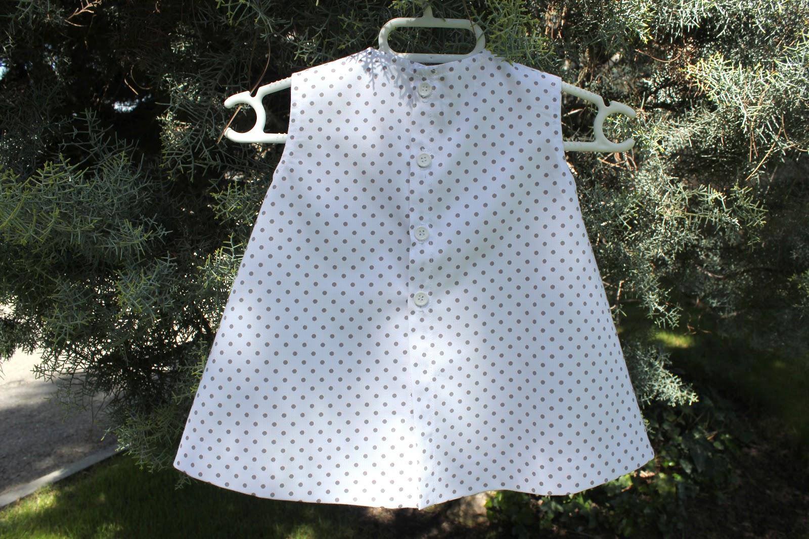DIY Cómo hacer vestido de bebé (tutorial con patrón incluido)     Oh ...