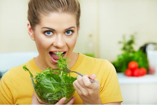 Rau xanh giúp hỗ trợ điều trị bệnh trĩ tốt hơn