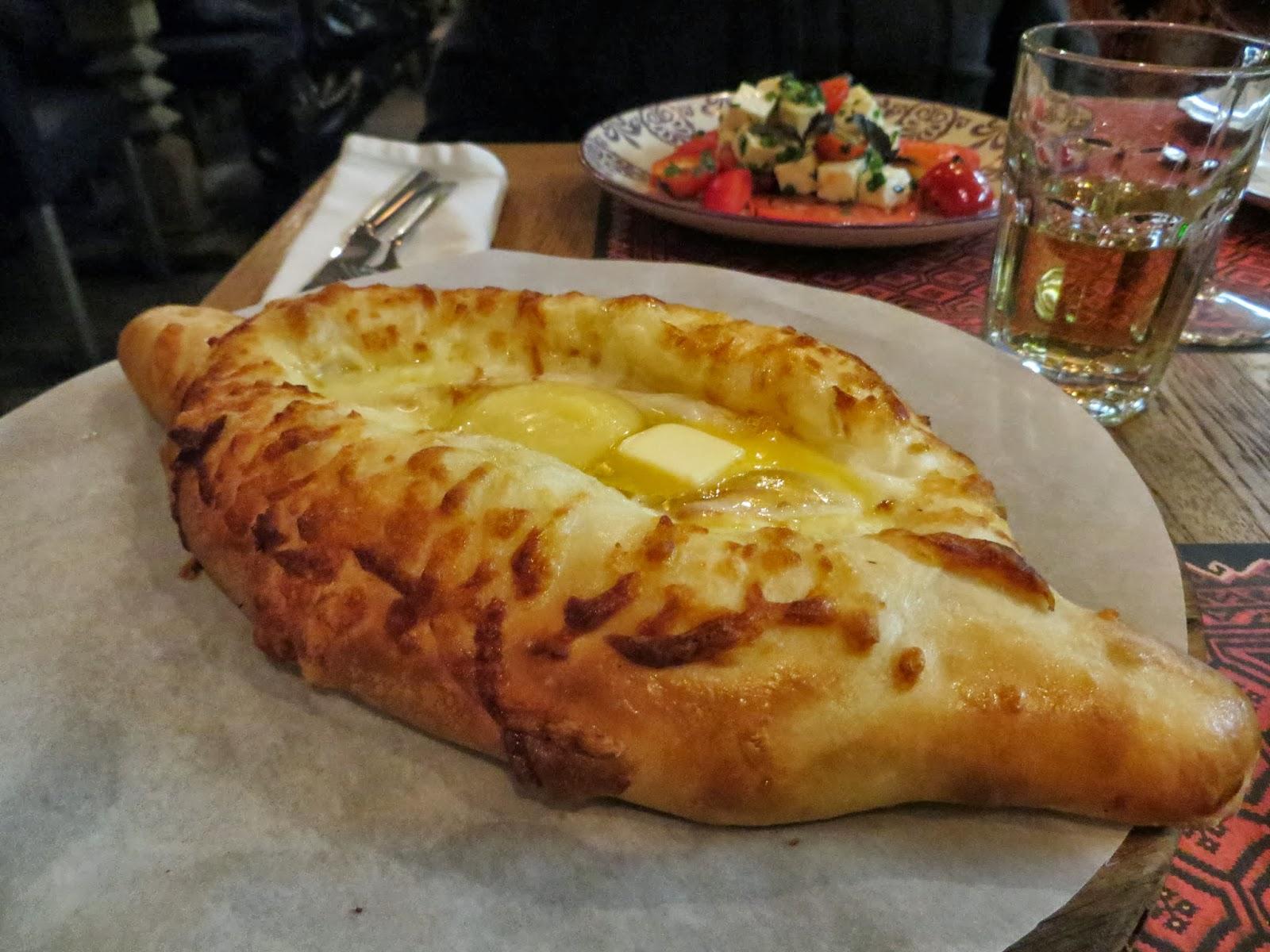 Maistamista Georgialainen ravintola  Haluan hartsoa  Pietarissa