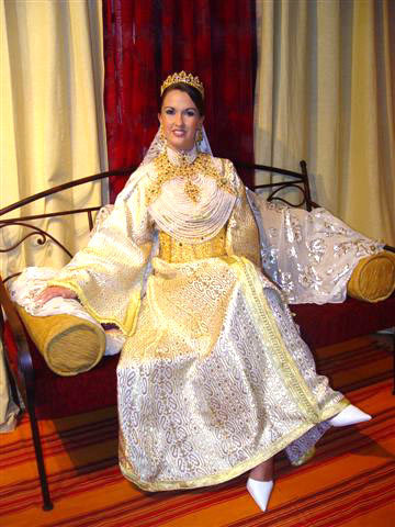 World's Most Favorite Wedding Style: Kaftan, Moroccan Traditional Wedding Dress