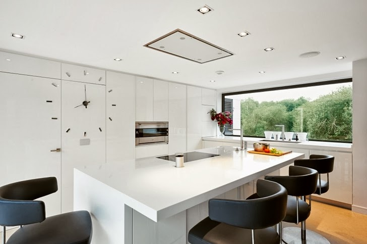 Minimalist kitchen in Modern home by Foraster Arquitectos