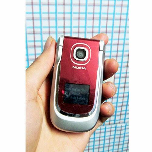 Nokia 2760 giá 250k điện thoại cũ giá rẻ dáng gập camera java fm radio nghe gọi giá rẻ tại Hà Nội Cần bán điện thoại nokia cũ giá rẻ tại Hà Nội Nokia 2760 gập màu đỏ, máy còn khá đẹp, tương đối đầy đủ tính năng, mọi chức năng hoạt động tốt, camera hoạt động tốt, máy có java cài đặt phần mềm, có gprs edge lên mạng, chat facebook. có fm radio, có 2 màn hình, hiển thị tốt, không có lỗi lầm, sóng khỏe, loa mic to rõ ràng, nghe gọi tốt.  Hình thức còn khá đẹp như ảnh chụp. Giá: 250.000 (máy,pin) Liên hệ: 0904.691.851