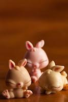 composición macro de conejitos de juguete