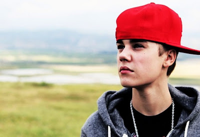 Justin Bieber 2012 Wallpaper - Look At The Sky